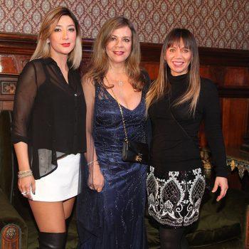 Productora del desfile Vania Pacheco, Paula Vallejo y Carla De La Torre